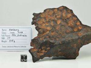 Henbury-Iron-IIIAB-818g-complete-oriented-specimen