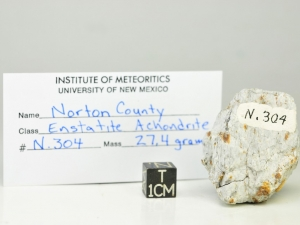 Norton-Country-aubrite-27g-fragment-with-museum-card
