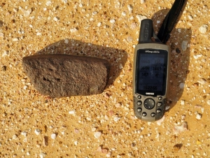 in-situ-photos-of-desert-meteorites-22