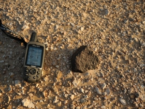 in-situ-photos-of-desert-meteorites-42