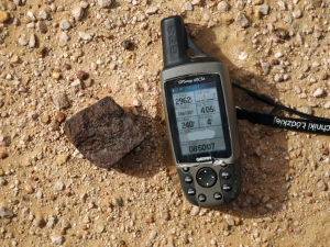in-situ-photos-of-desert-meteorites-50-H3