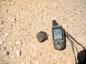 in-situ-photos-of-desert-meteorites-52
