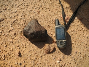 in-situ-photos-of-desert-meteorites-58