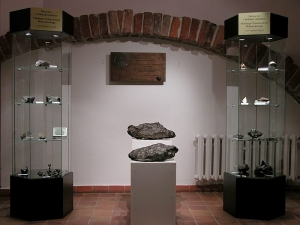 meteorite-exhibition-in-mineralogical-museum-2008