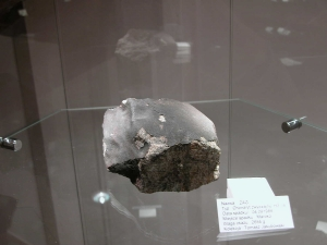 meteorite-exhibition-in-mineralogical-museum-2010