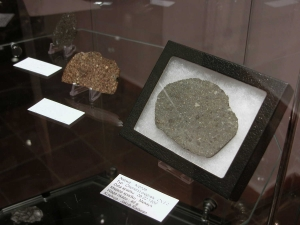 meteorite-exhibition-in-mineralogical-museum-2013