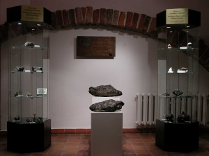 meteorite-exhibition-in-mineralogical-museum-2020