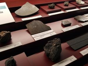 zaklodzie-enstatite-achondrite-ungr-vienna-naturhistorisches-museum-photo-dr-ludovic-ferriere-3